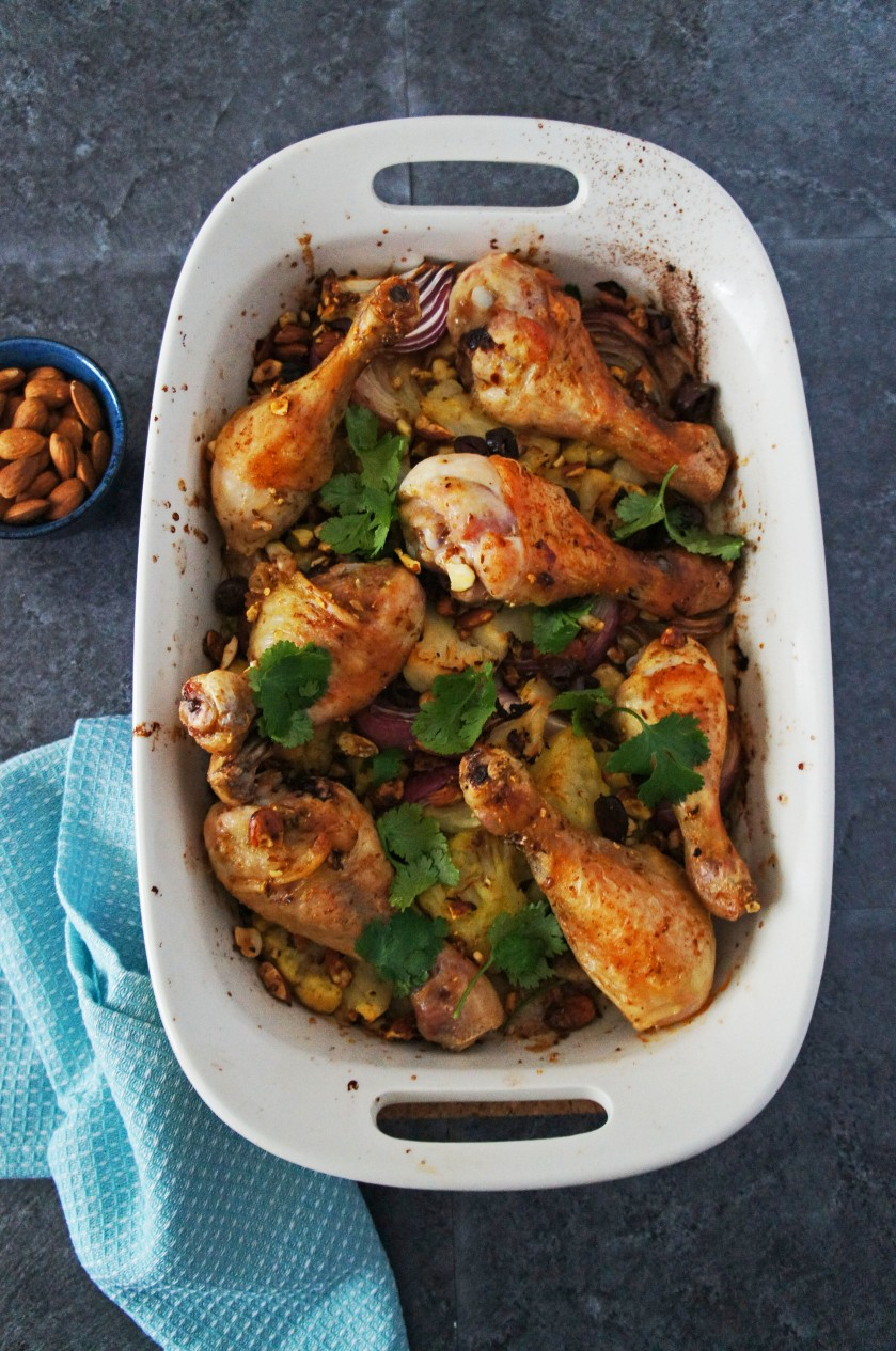 Spiced chicken traybake with cauliflower and almonds that is easy and quick to prepare!