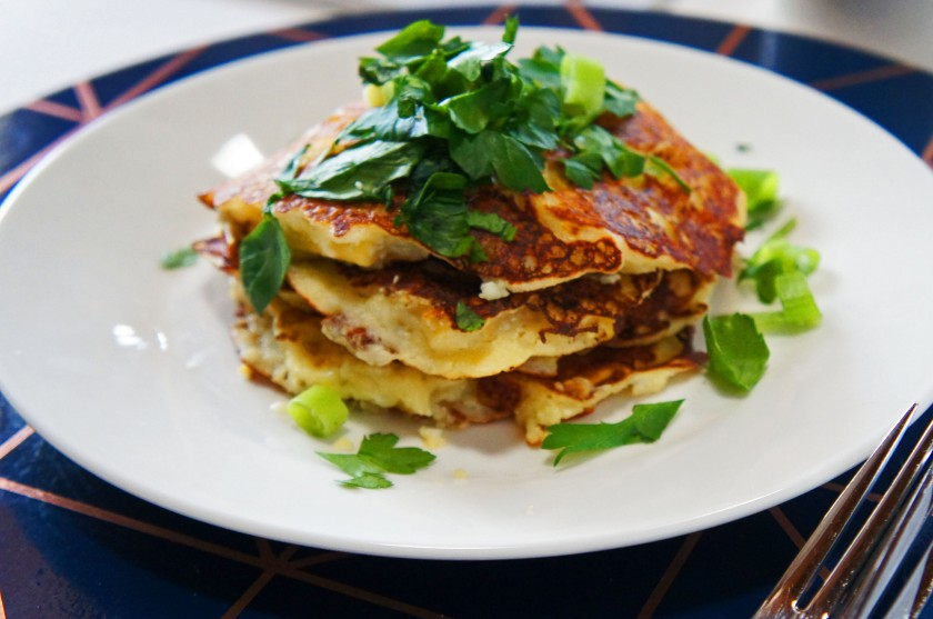 Fluffy cheesy cauliflower macaroni pancakes