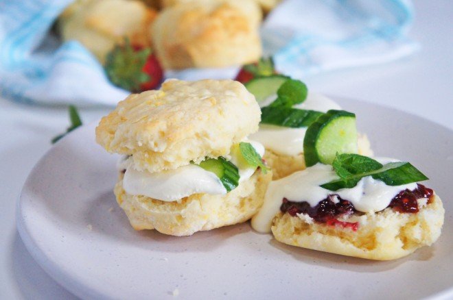 A fluffy scone filled with the flavours of a classic Pimm's cocktail: lemonade, strawberries, cucumber, mint and of course, Pimm's!