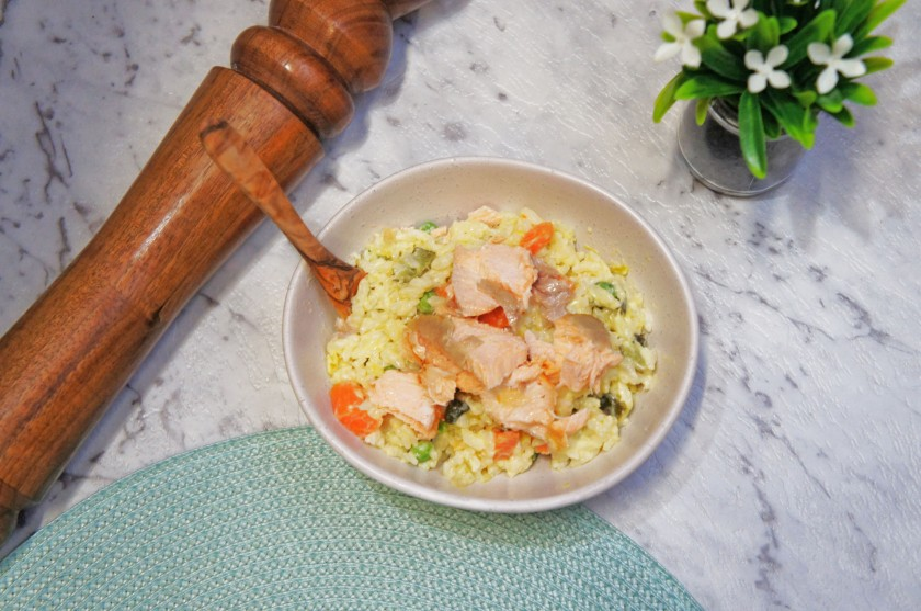Flaky baked salmon in a one-pot leek risotto